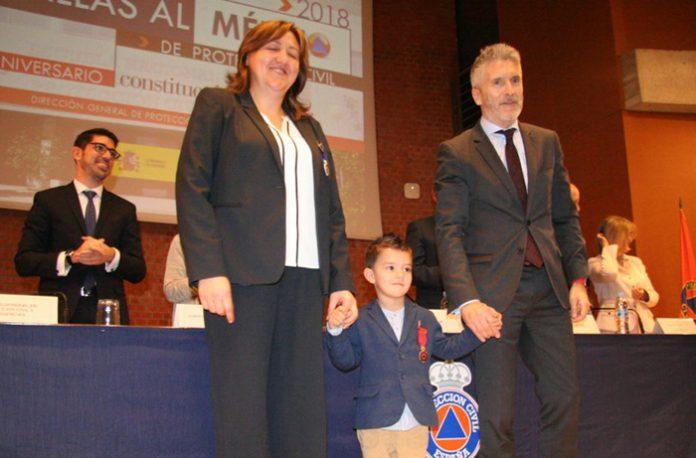 Medalla al Mérito a un niño de 4 años