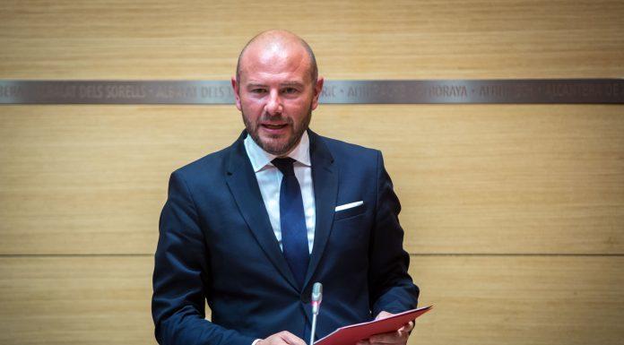 El presidente de la Diputación de Valencia, Toni Gaspar, durante la entrevista en el programa Ágora de 7Televalencia.