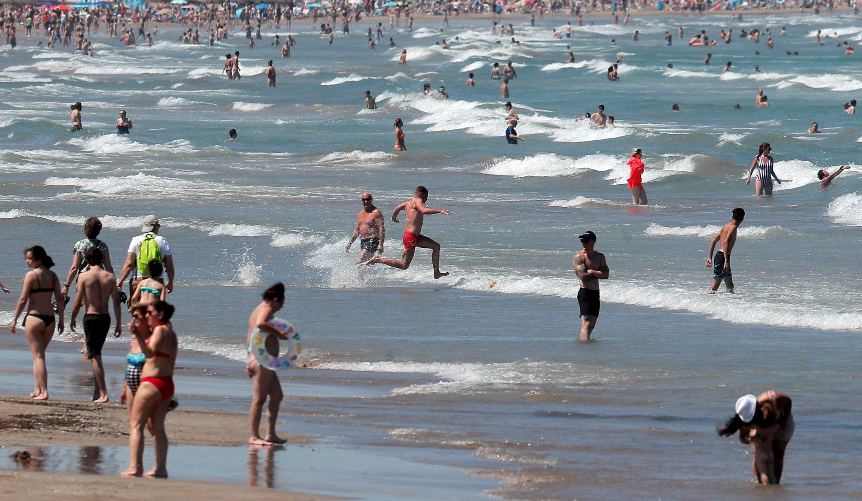 playas llenas en verano
