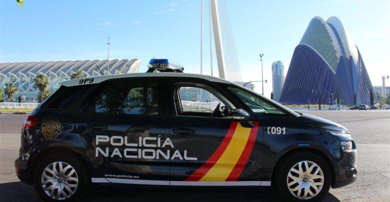 Tráfico informa que no es sancionable no usar mascarillas en los vehículos