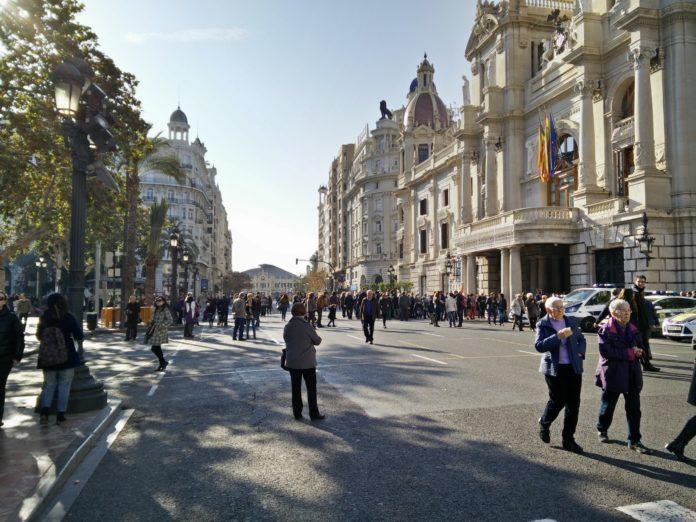 La Plaza del Ayuntamiento amanece peatonalizada