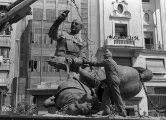Retirada estatua de Franco en Valenciaa