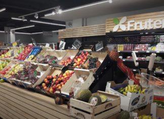 Sección de frutería de los supermercados de Dialprix.