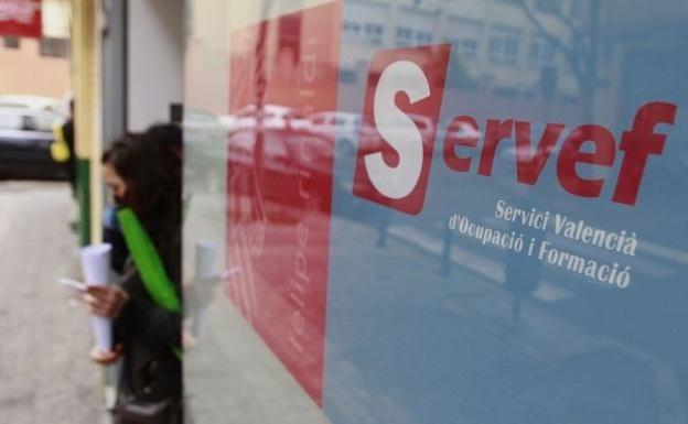 La cifra de desempleados se dispara en la Comunitat Valenciana donde el paro ha alcanzado a 35.565 personas siendo ya la segunda autonomía más afectada