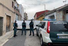 La Guardia Civil procede a una nueva inspección ocular de la vivienda en la que supuestamente se descuartizó a Marta Calvo