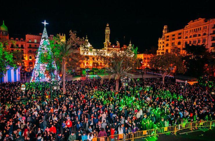 La Generalitat levantará el cierre perimetral y reducirá el toque de queda por Navidad