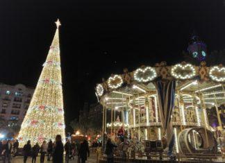 La Plaza del Ayuntamiento de Valencia en Navidad.