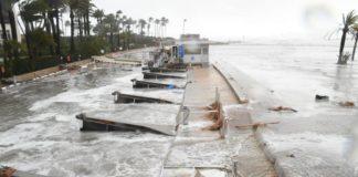 El paseo de Javea arrasado por el mar debido a la borrasca Gloria