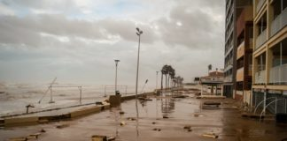 la borrasca gloria destroza la costa mediterránea e inunda los paseos marítimos de Valencia, Jávea, Denia, Calpe y Moncófar