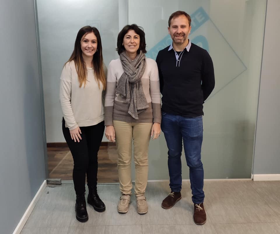 María Diago junto al equipo de La Graella en Radio Siete durante su entrevista