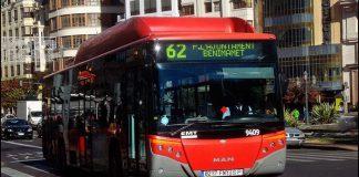 Imagen de uno de los autobuses con u trayectos hasta la Plaza del Ayuntamiento