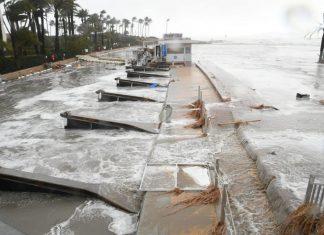 El paseo de Javea arrasado por el mar a causa de la borrasca Gloria