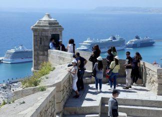 La fuga de madrileños a la costa dispara las alertas en la Comunitat Valenciana