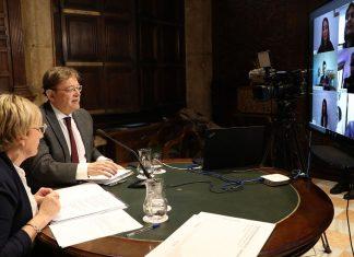 Ximo Puig y Ana Barceló en la reunión con los portavoces de los grupos parlamentarios de Les Corts por la crisis del coronavirus