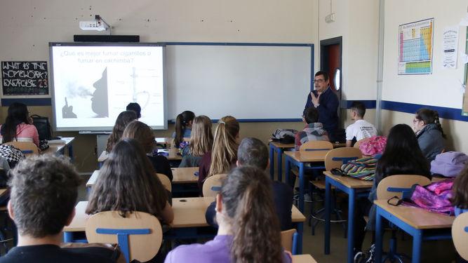 La polémica está servida: ¿Los docentes deben seguir acudiendo a las aulas tras el cierre por el coronavirus?