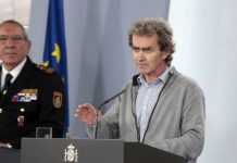 El director del Centro de Coordinación de Alertas y Emergencias Sanitarias del Ministerio, Fernando Simón, en rueda de prensa.