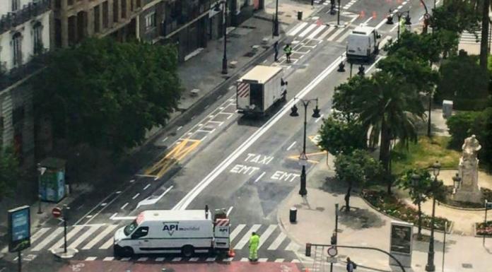 La calle Colón se convierte en un 'croquis' para los conductores