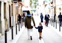 Todo lo que debes saber antes de salir a pasear con un menor