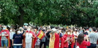 Las protestas contra el Gobierno por la gestión del coronavirus crecen en Valencia