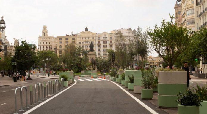 La Plaza del Ayuntamiento concluye las obras y anuncia la instalación de juegos infantiles
