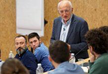 Juan Roig durante un encuentro con participantes de Lanzadera