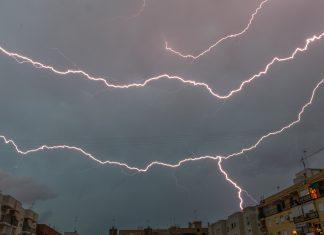 Activan la alerta amarilla en Valencia por tormenta y granizo
