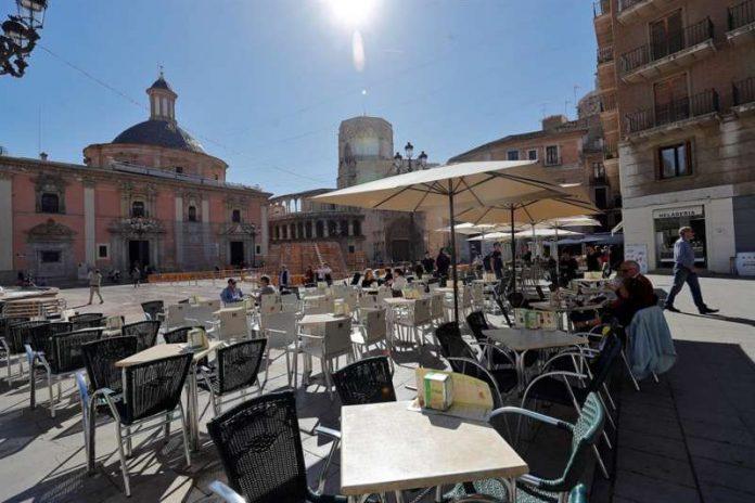 Los bares y las terrazas piden ampliar el horario de la hostelería