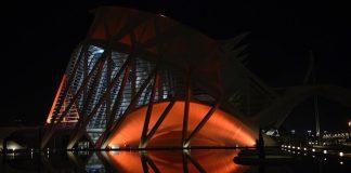 La Ciutat de Les Arts se ilumina de naranja