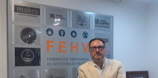 Manuel Espinar es reelegido presidente de Conhostur