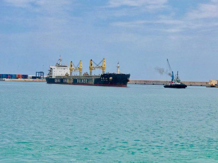 Confinan a la tripulación de un petrolero en Castellón por llevar 8 casos de coronavirus