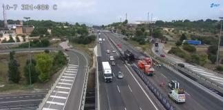 Cortan el by-pass de Paterna tras incendiarse un camión