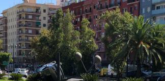Un aparatoso accidente en Blasco Ibáñez deja una imagen única en la avenida
