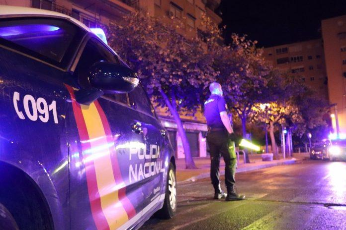 La Policía desmantela una fiesta de cumpleaños ilegal en el barrio de Ruzafa