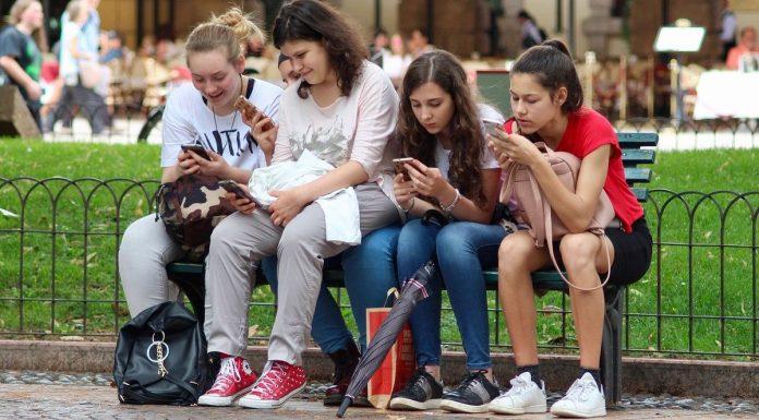 Aldaia presenta su campaña sobre ciberviolencia en menores