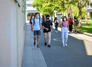 Un brote de coronavirus entre universitarios de Valencia obliga a 700 personas a someterse a las PCR