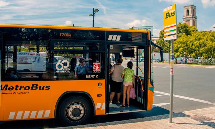 Arranca el funcionamiento la nueva ruta de autobús que conecta cinco municipios con Metrovalencia