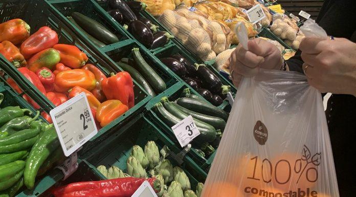 Consum se despide del plástico y lanza un nuevo modelo de bolsas