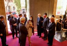 VÍDEO   La accidental caída de Vicente Boluda que sorprende a la Reina