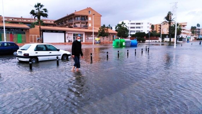 El temporal descarga con fuerza sobre Valencia y obliga a cortar carreteras