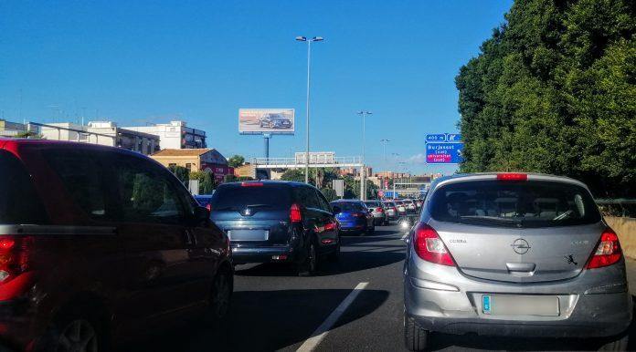 La salida de Valencia se colapsa con retenciones kilométricas