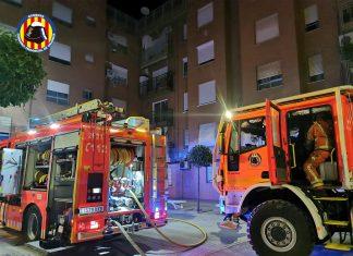 Un hombre salta desde un cuarto piso para huir de un incendio en Paiporta