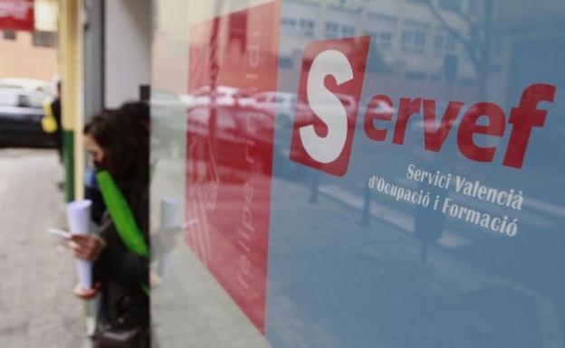 El paro sigue aumentando y cierra el año con 438.000 desempleados en la Comunitat