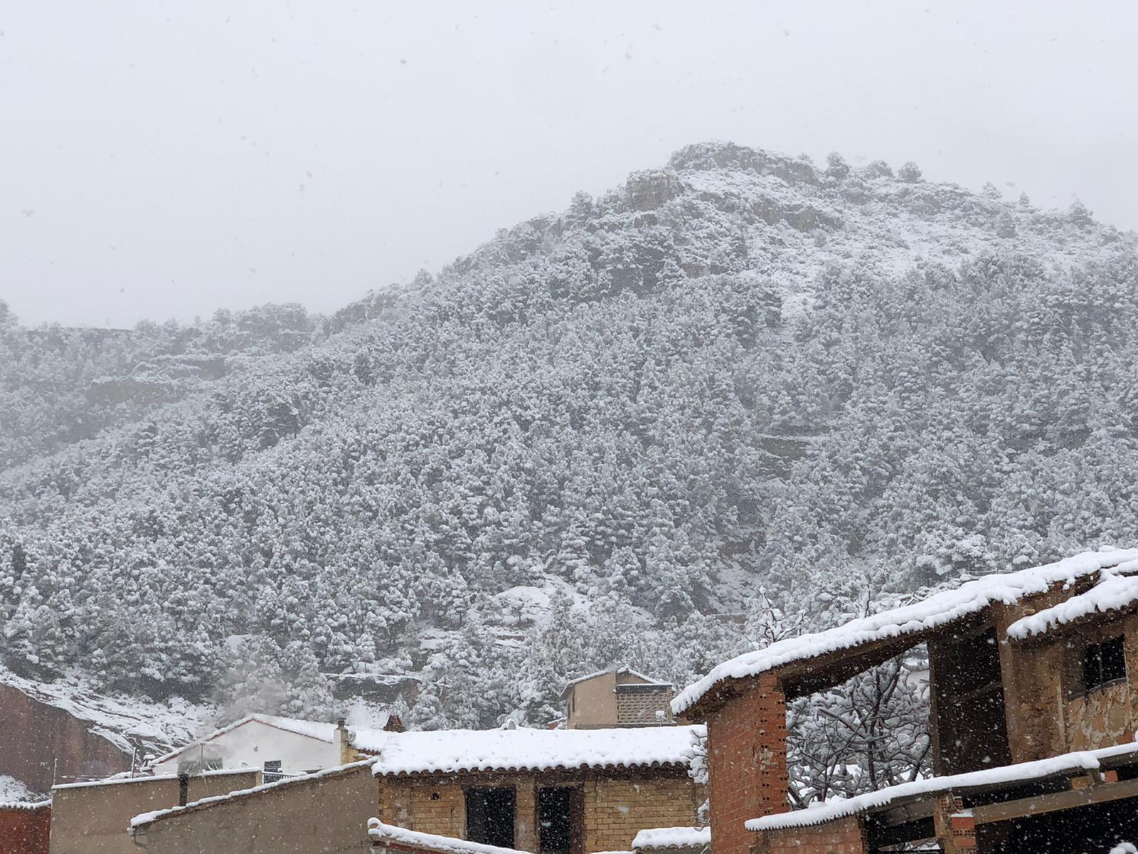 Fotografía de Titaguas nevado el 8 de enero