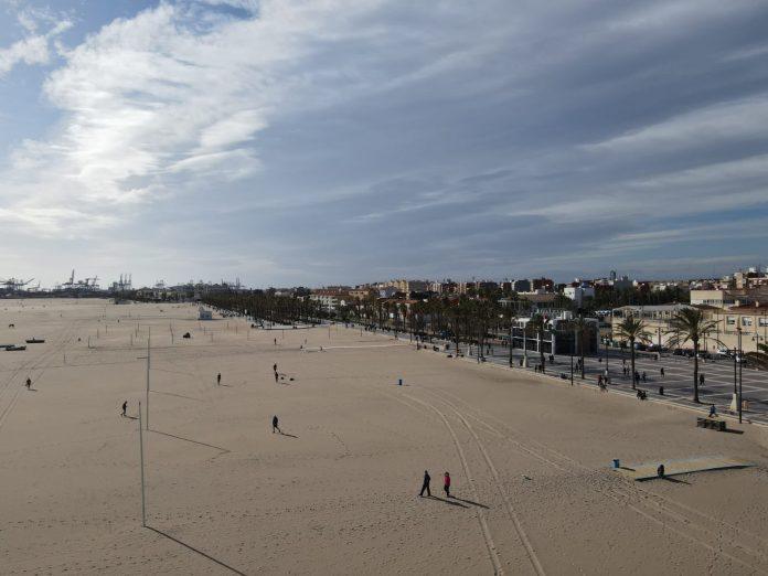 Sin concentraciones en la playa de la Malvarrosa