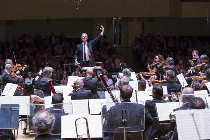 El Palau de la Música nombra a Alexander Liebreich director de la Orquesta de Valencia