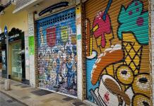 Los comercios más antiguos de Valencia bajan la persiana por la crisis del coronavirus