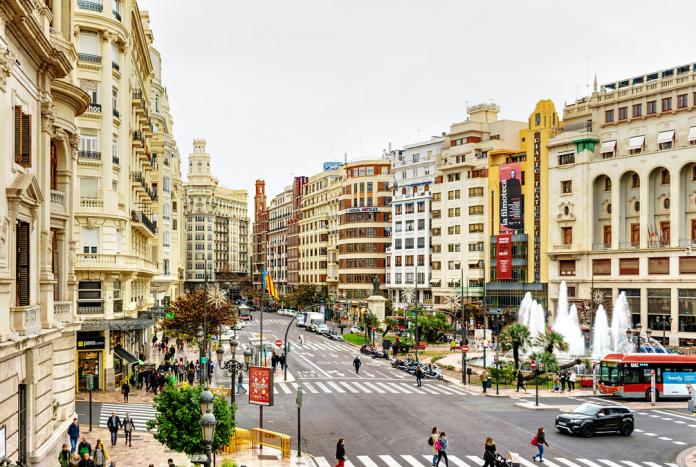 Los cinco grandes proyectos que demandan los valencianos