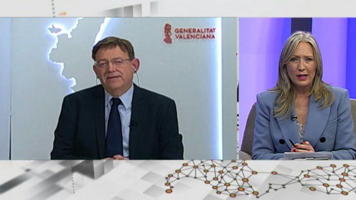 El presidente de la Generalitat durante la entrevista con la presentadora Sylvia Costa.