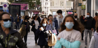 La primera ley anticovid endurece el uso de la mascarilla en la calle