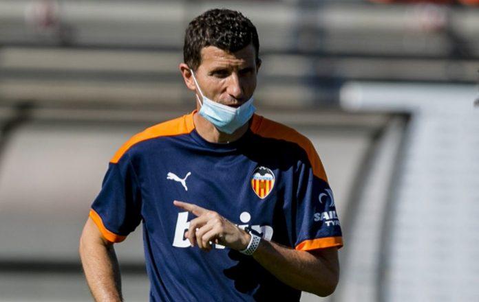 El Valencia CF despide a su entrenador
